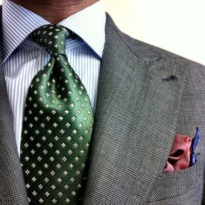 ストライプのワイシャツとネクタイの組み合わせ