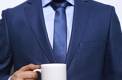 青シャツとネクタイのコーディネート1
