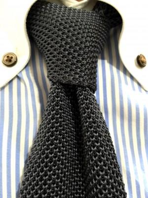 buttondown-tie