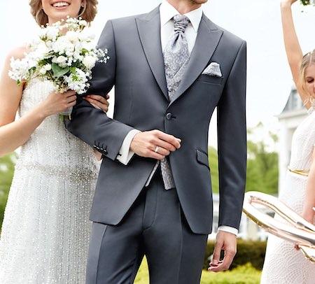結婚式スーツグレー