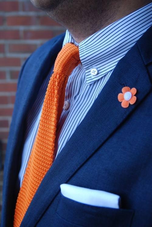ネイビースーツオレンジ無地ネクタイストライプワイシャツ1