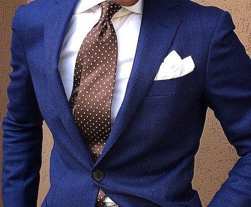 ネイビースーツとドットタイの着こなし2