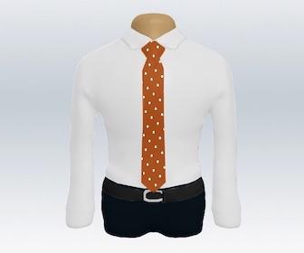白ワイシャツとドット柄ネクタイの着こなし