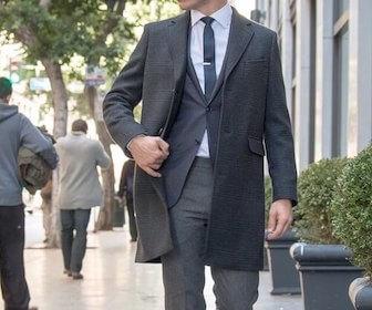スーツに合うメンズコート・アウターの種類